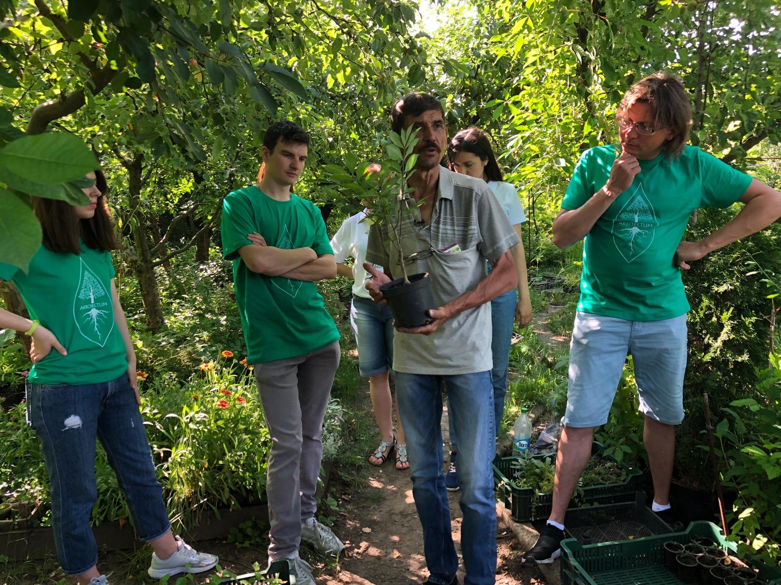 Лекция волонтеров ARBORETUM.LIVE в питомнике Ю. Днестрянского